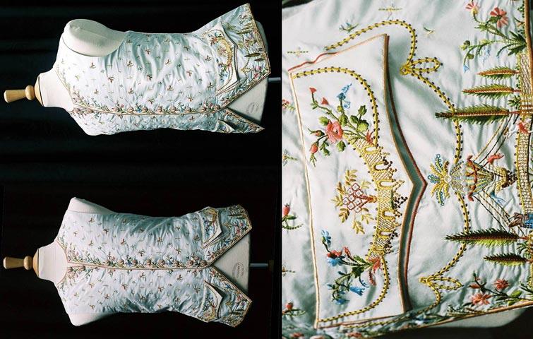 外套上的精美刺绣,透露出浓厚的中国风